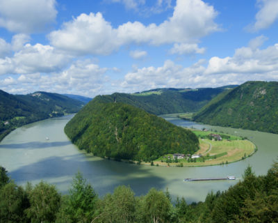 guided bike tour on danube